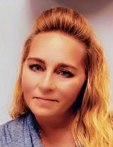 Jennifer Paquet Headshot